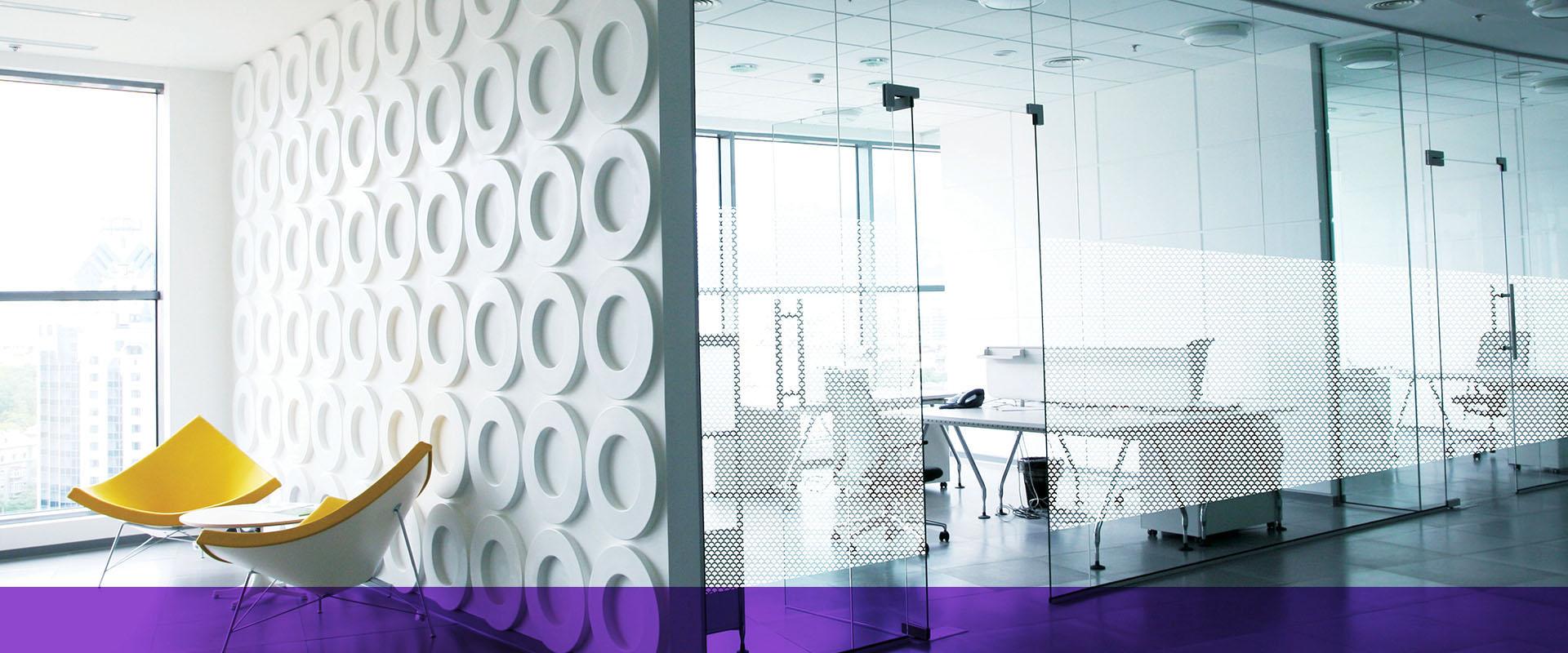 Fensterfolien Sichtschutz mit Dekor für Privatsphäre und Raumgestaltung